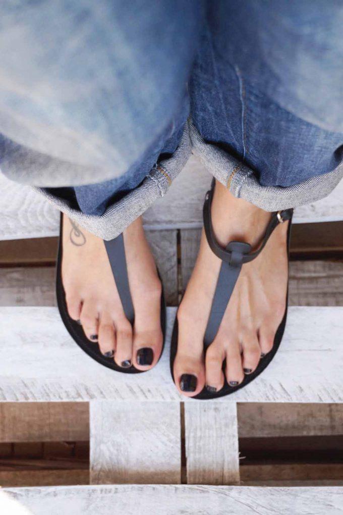 Flache Sandalen aus Echtleder FUNKY ALLNUDE, schwarz